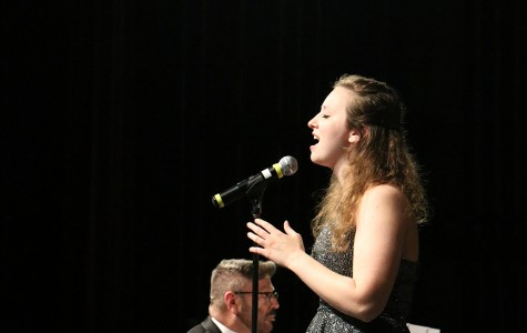 East singing groups have successful first performance