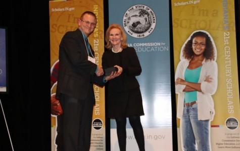 East science teacher recognized by Twenty-First Century Scholars Program