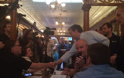 Presidential candidate Cruz holds meet-and-greet at local restaurant