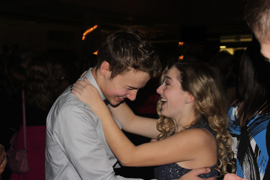 Sophomore AJ Klinker and Junior Haley Bowman dance.
