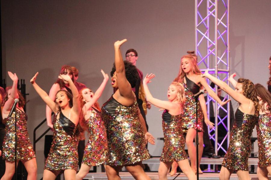 Show Choir Kicks Off Their Season
