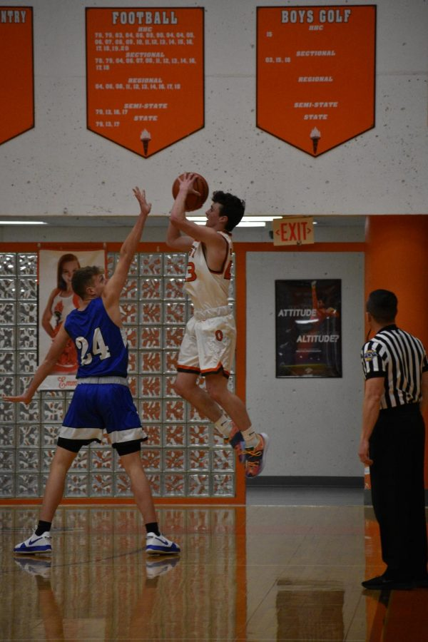 Junior Will Rieckers splashes another three.